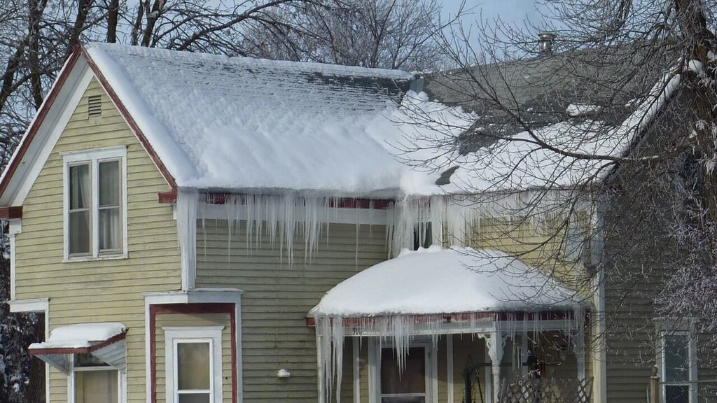 ice dams from an inefficient attic system