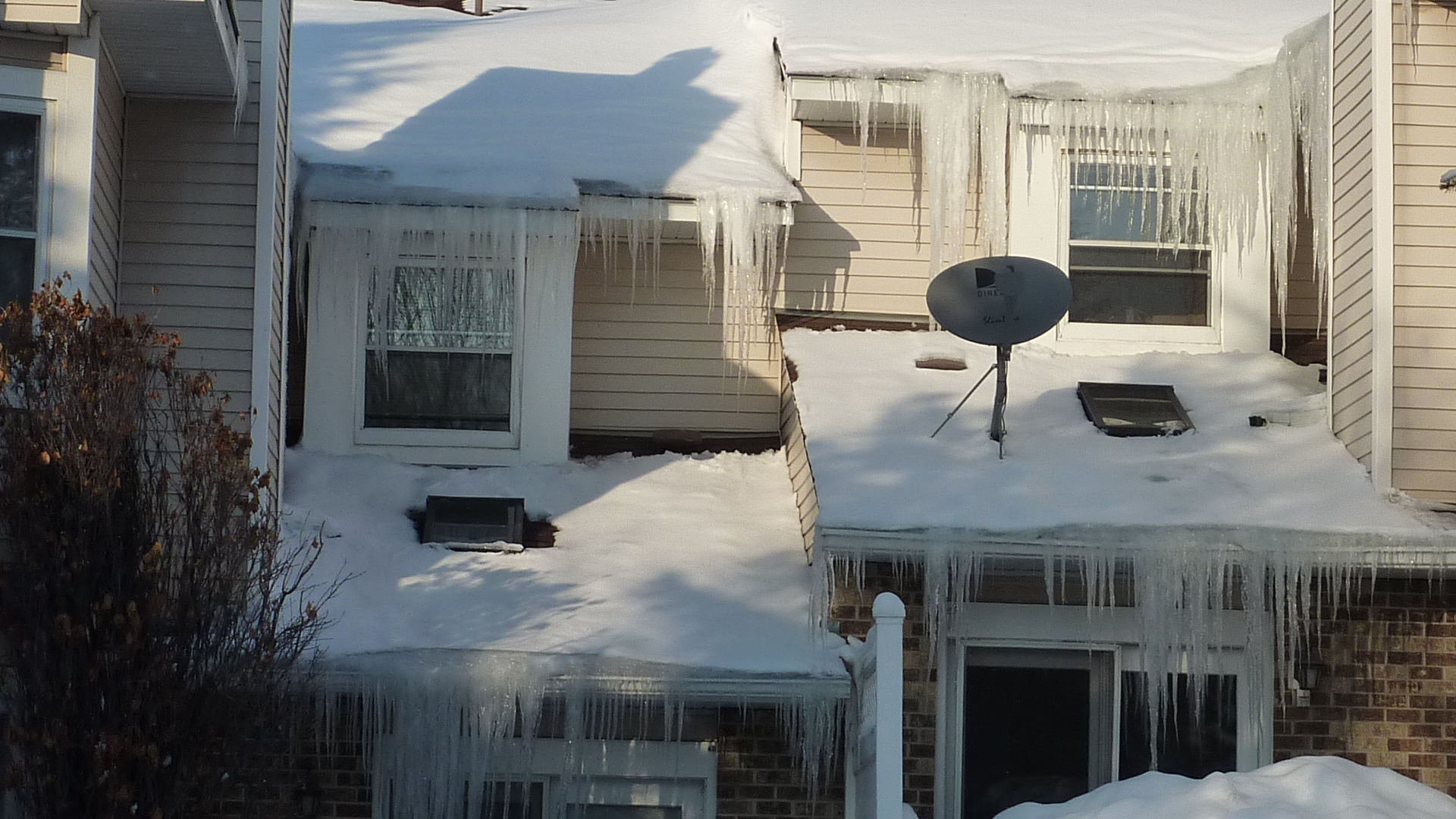 The Complete Guide to Ice Dams: Cause, Cure, and Prevention