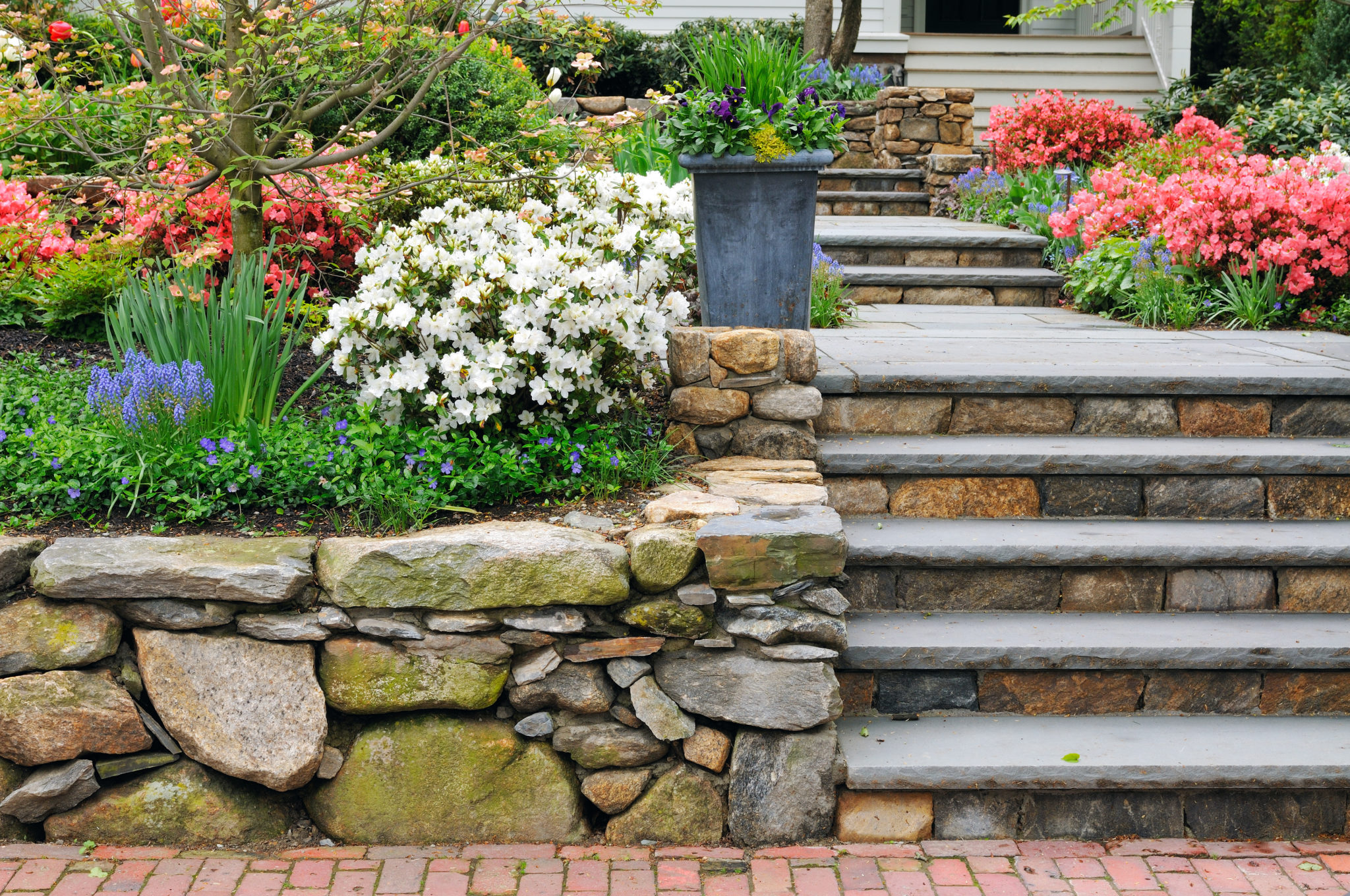 The Ultimate Checklist on How To Build a Retaining Wall [Update 2021]